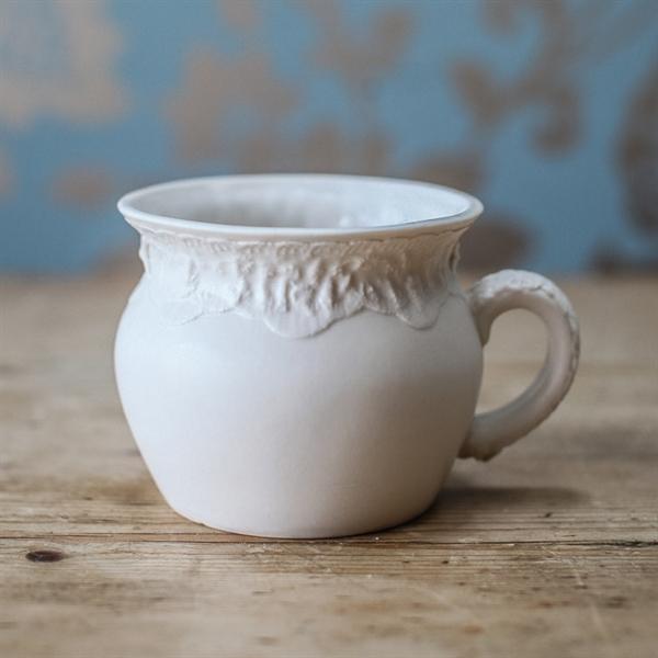 curve lace cup